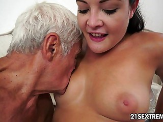 Teen cutie's kinky picnic with a grandpa