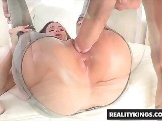 RealityKings - Teens Love Huge Cocks - (Belle Knox Chris Strokes) - Belle Bottom