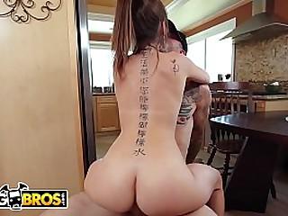 BANGBROS - Petite Teen Riley Reid Looks Damn Good Riding A Big Cock
