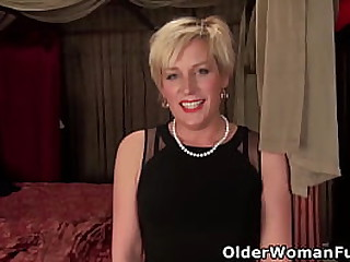Nyloned milf Diamond Fantaine from the US needs to satisfy her hungy pussy (brand NEW video available in Full HD 1080P). Bonus video: American mature Miya Sweet.